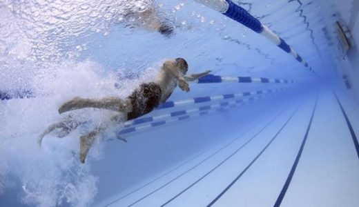 本多スイミングスクールの本名や芸歴は?水泳ネタが面白い!